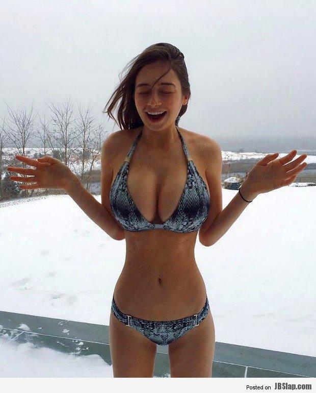 Watch bikini babes