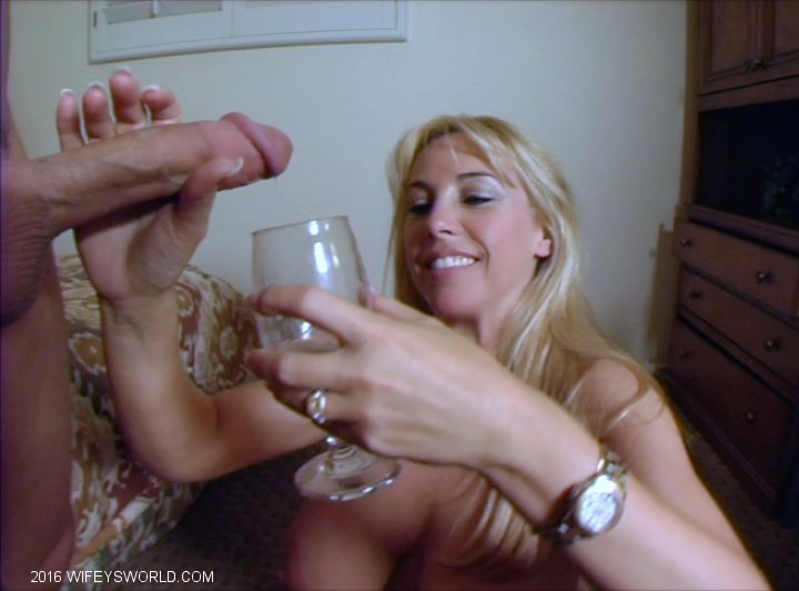 Wify gives hubby blowjob - 1 7