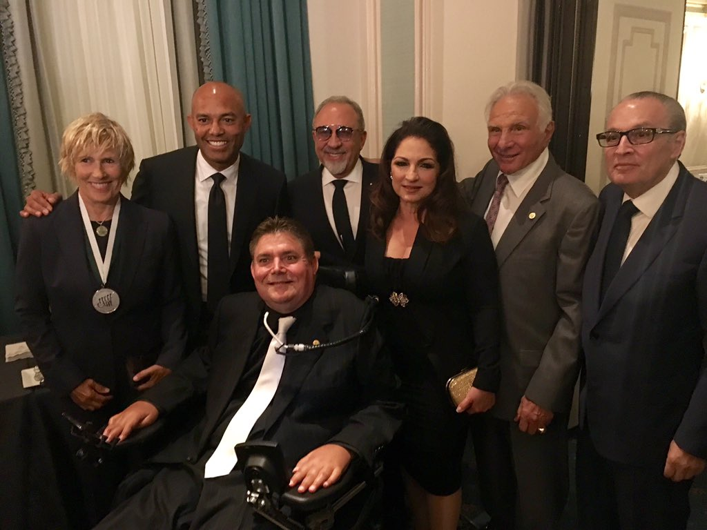 All smiles celebrating an amazing night at the #WaldorfAstoria with Marc Buoniconti! #GSLD31 #BuonicontiFund https://t.co/dtWw41WaWD