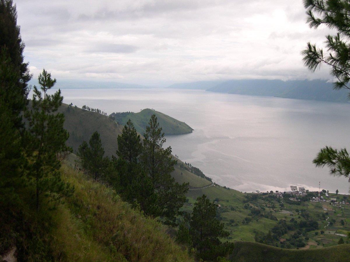 Danau Toba, Sumatera Utara - Indonesia Sumber: flickr.com/photos/maggi_h… #danautoba #PesonaIndonesia #Indonesia