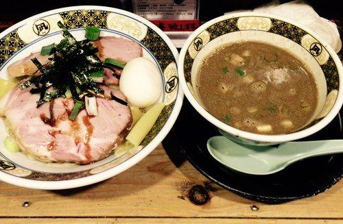 昨日の夕食。凪のつけ麺。仕事前だったので麺少な目にしてもらいました。眠くなっちゃうから。煮干し欲が満たされた…!