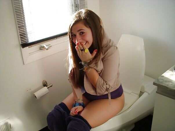 Simply Bathroom peeing picture potty toilet lick