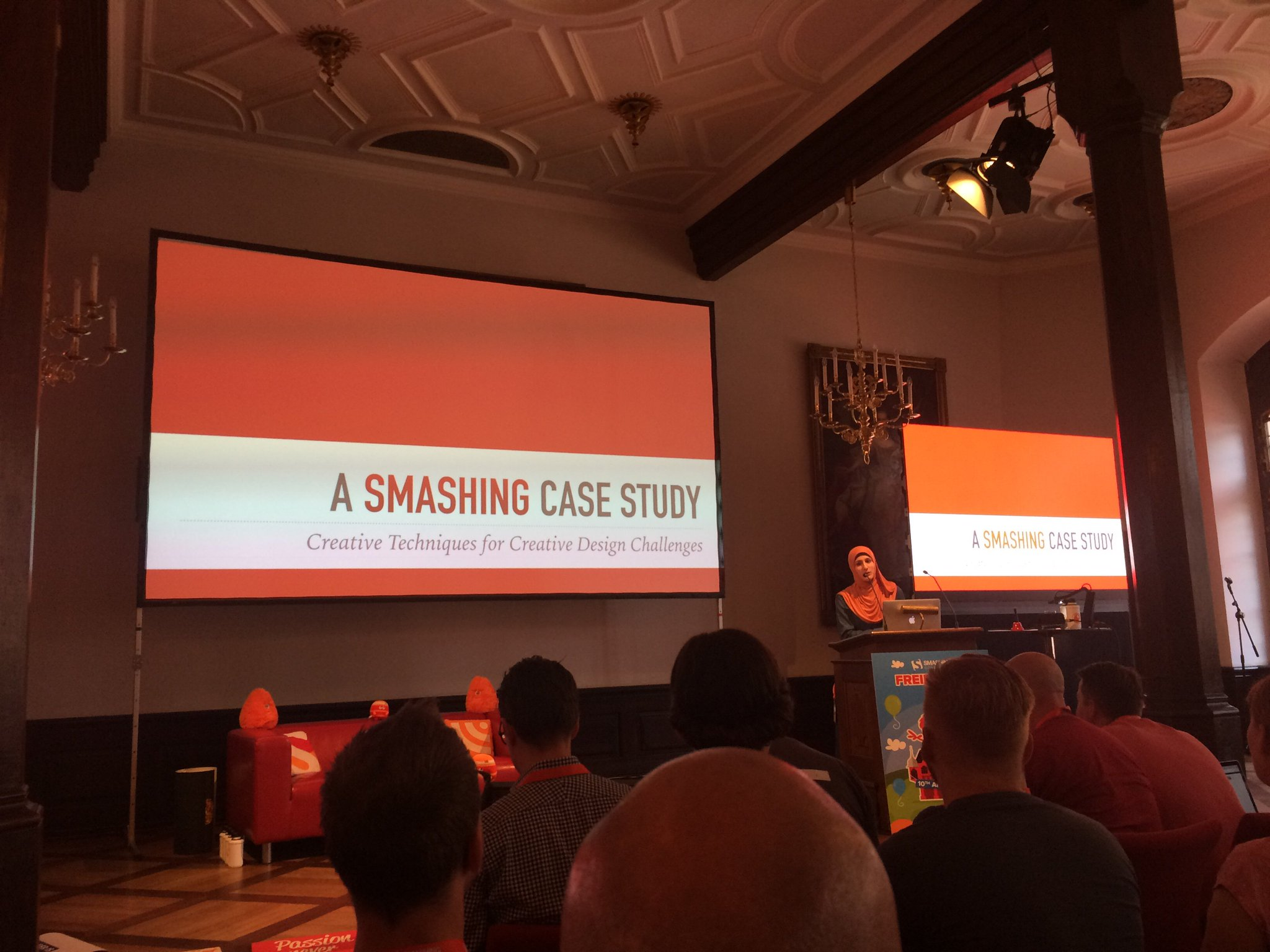 Finally: #mysteryspeaker @SaraSoueidan @ #smashingconf  #notkevinspacey #excellent #👌🏼 https://t.co/eaQYHASC0y