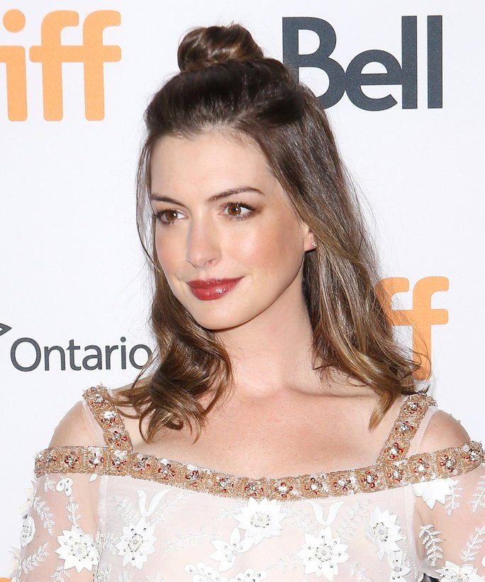 "InStyle On Twitter: ""Anne Hathaway Didn't Forget About The"