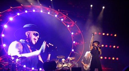 Queen הופיעו אמש בפארק הירקון מול 55,000 ישראלים והוכיחו שיש חיים גם אחרי פרדי מרקיורי >> https://t.co/XMcu4j8iIz https://t.co/elCI47vDr5