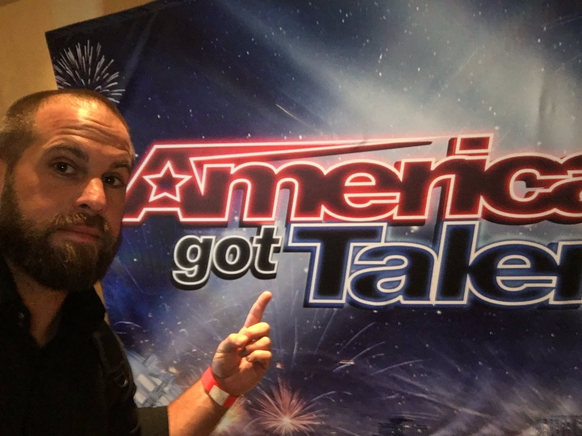 Pumped for tonight #agt finals @nbcagt #eagles #philly #flyeaglesfly https://t.co/FGvfG11JSl
