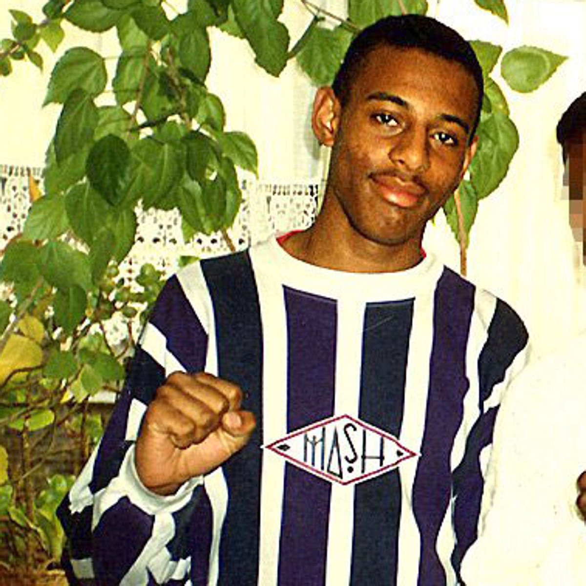 Remembering aspiring student Stephen Lawrence, who would've turned 42 today. Racism is an evil & we must end it. https://t.co/7D9oXcoX0m