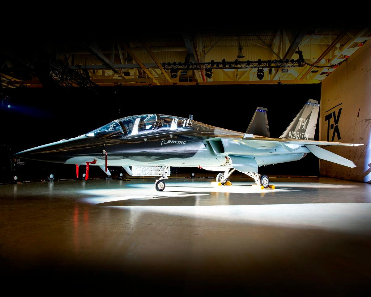 Real. Ready. Right Choice for #USAF training mission #NewBoeingTX #Boeing https://t.co/nN2trHl6zj