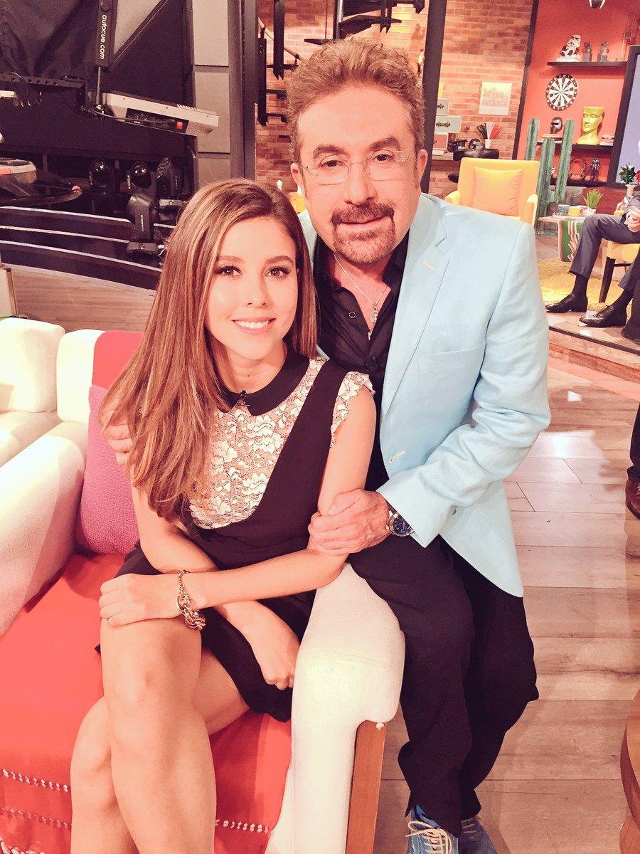 Una actriz juvenil hermosa y talentosa y cantante Divina  @soypaulinagoto #CorreVideo @programa_hoy @UnCHEDestino https://t.co/KAXIO9r93L