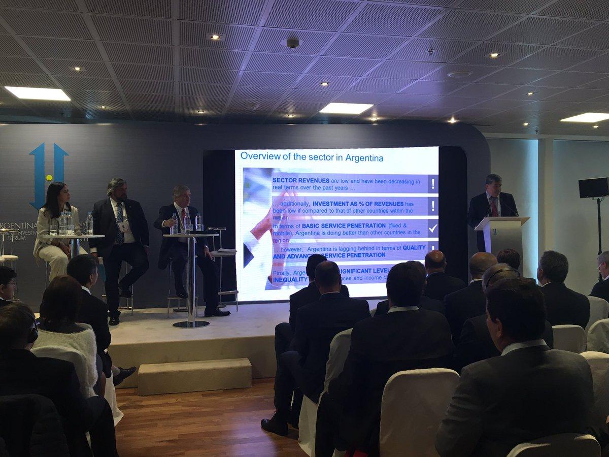 Da inicio la Mesa de Telecomunicaciones y Alta Tecnologías con Luis Enríquez de McKinsey & Company @Invest_ARG https://t.co/X3hsczY3HZ