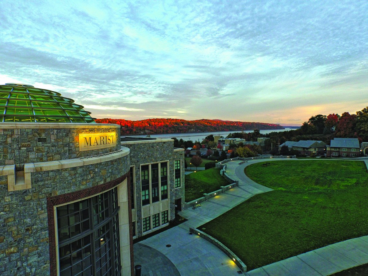 """Marist moves up 4 spots to make @USNewsEducation's top 10 """"Best Colleges"""" in the North! https://t.co/9as2ucKXXt https://t.co/tc1siXgwPN"""