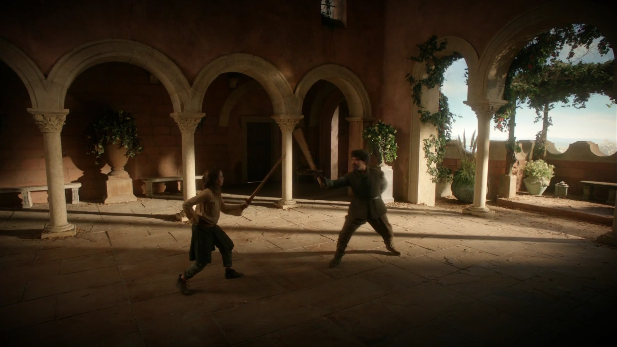 Kingslanding, Arya is in the middle of her water dancing lesson with Syrio. Things seem light and fun... https://t.co/mBgsLTNAPc