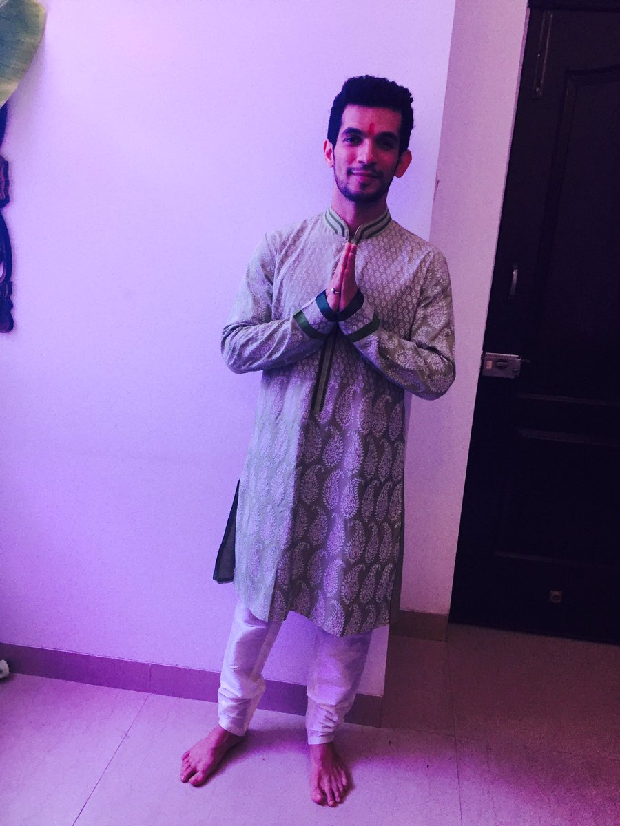 Arjun Bijlani,biography,photos,ritik ,real name,profile,age,dob,personal,details,PardesMeinHaiMeraDil,Naagin2,wiki,images,hd,pictures,pics