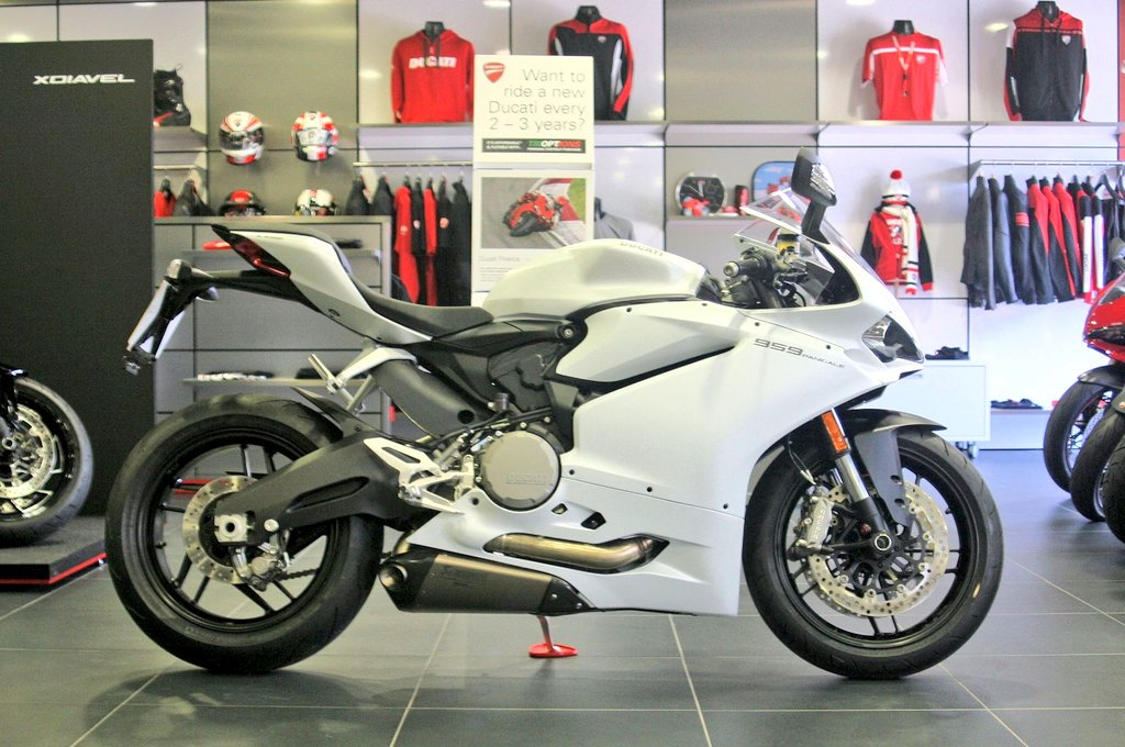 """ryan gregory on twitter: """"ducati 959 panigale at ducati coventry"""