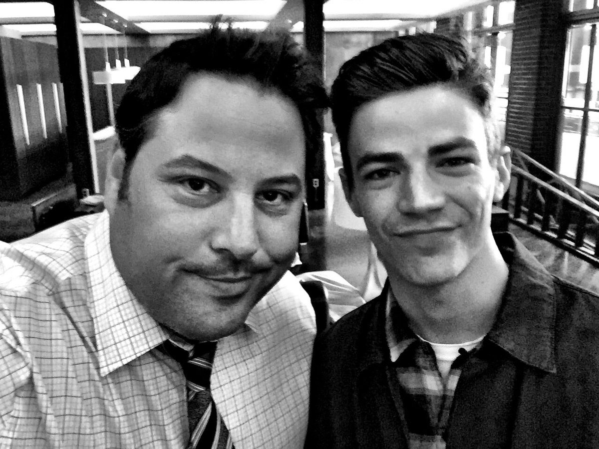 For THIS selfie, I had to use #TheFlash https://t.co/5UIFtDYwQD
