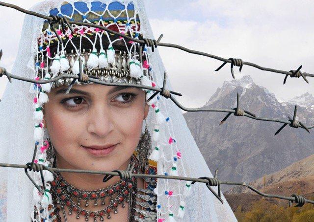 ~中央アジアを味わおう!~ 9月29日(木) #タジキスタン と #キルギス の映画を上映します。日本語字幕付き・入場無料!https://t.co/IaQFBPeE7M 写真:上映作品『トゥルー・ヌーン』 ©Small Talk