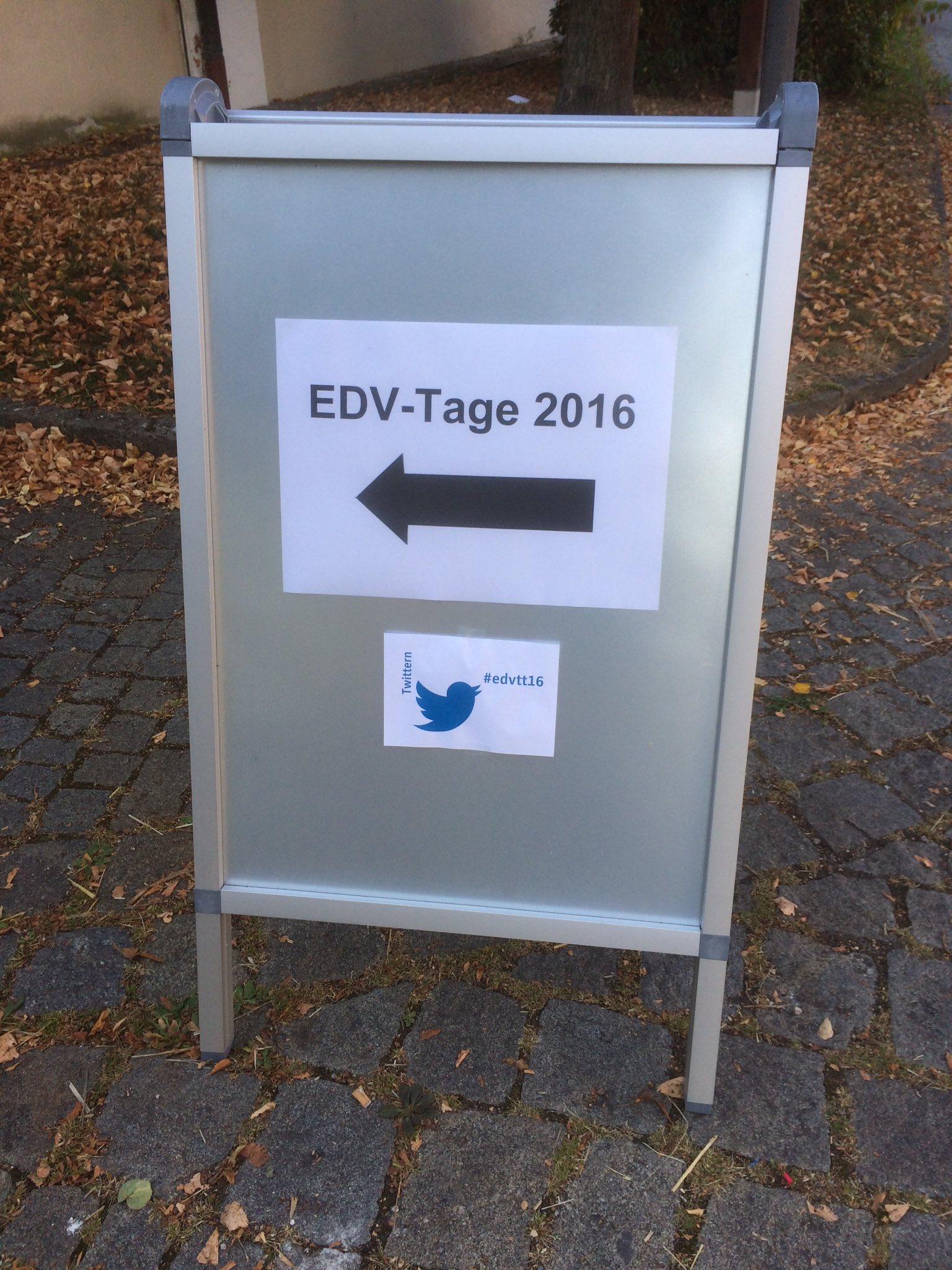 Eine ordentliche Tagung hat auch einen ordentlich kommunizierten Hashtag #edvtt16 https://t.co/lPxfRBeqJU