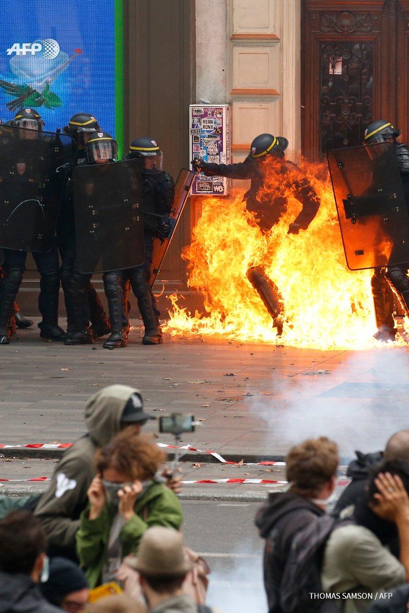 Manifestation contre la #LoiTravail : échauffourées à Paris, au moins 6 blessés #AFP