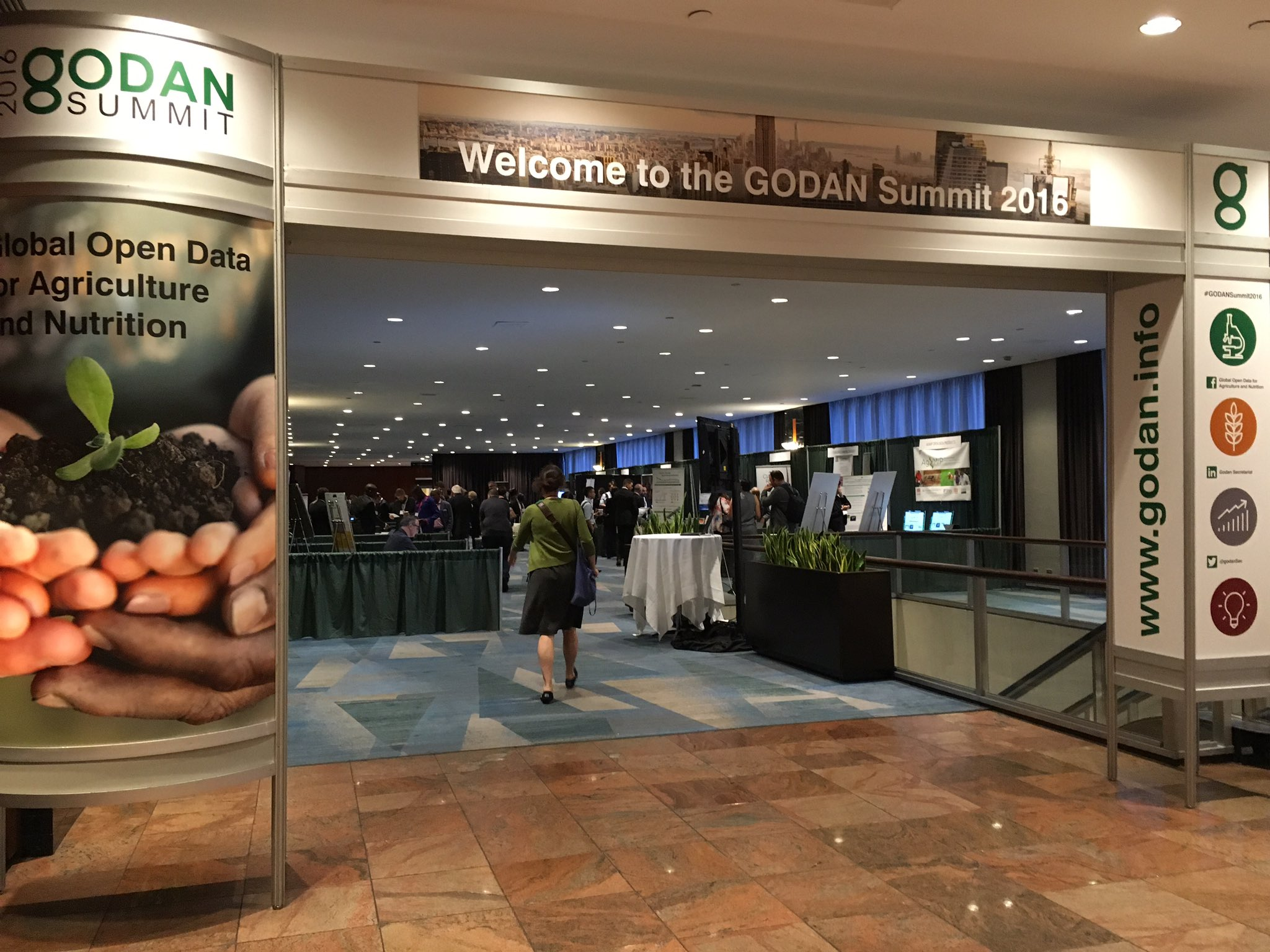Good morning #NewYorkCity! This morning #GODANSummit2016 kicks off and it's already buzzing! #opendata #agriculture https://t.co/Rggyn08YgQ