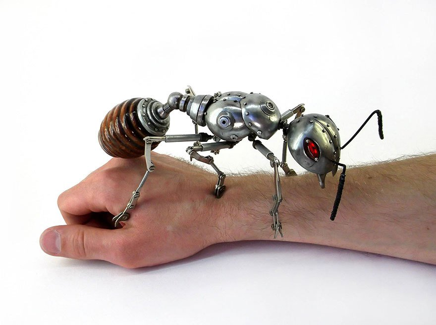 #Art Awesome of the Day: Huge Articulated Metal #Steampunk Ant by Russian Artist Igor Verny via @Eroina_ro #SamaArt