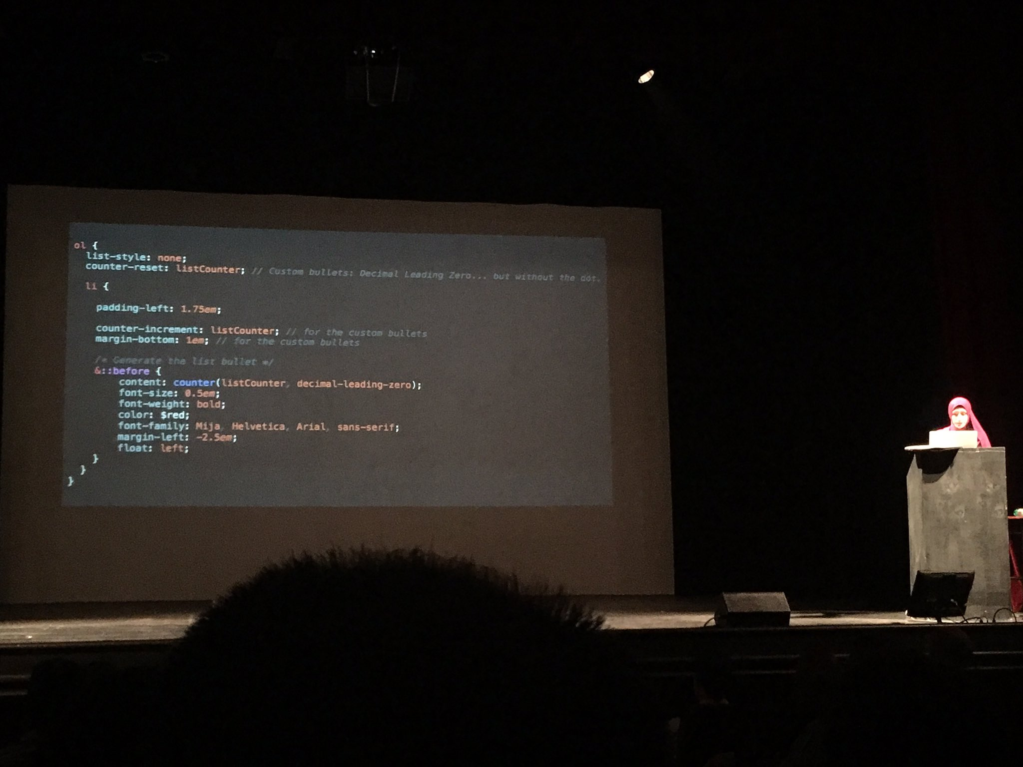 I didn't see that coming! Css counters by @SaraSoueidan @fromthefront. Never seen that before #ftf16 https://t.co/Uhtov1ceX3