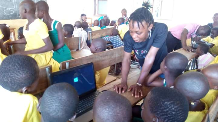 #NVDay16: @KarimaSeidu joined Caring Volunteers Network-CAVNET 2 offer ICT training & mentoring 2 100+ kids in Wa. https://t.co/LOGsMkYhJS