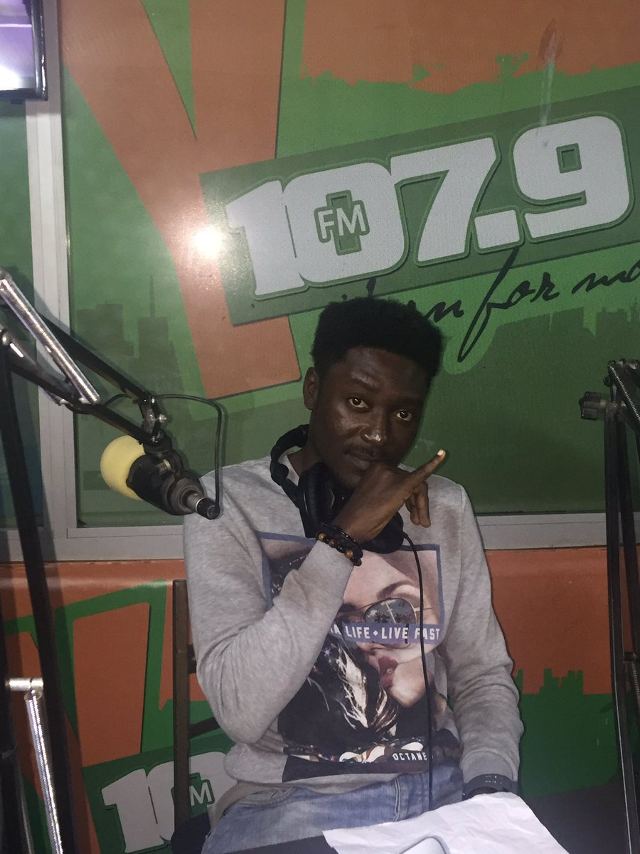 On ur dial now.. @GuiltyBeatz on the #Ylounge @Y1079FM w/ @AkosuaHanson #NobodyDey premiere https://t.co/TSN5ZK0xTM