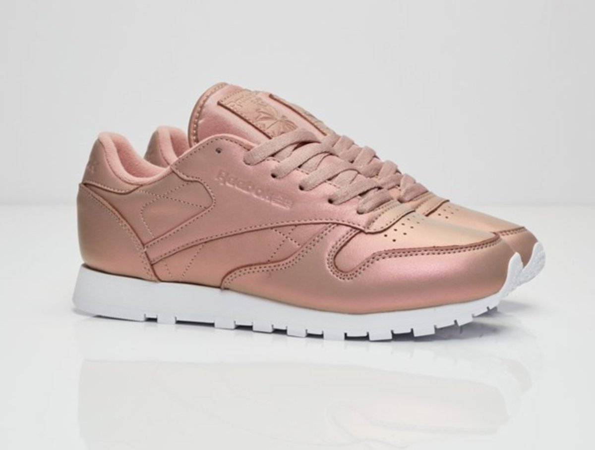 3d44aa7a861d ... switzerland icysole on twitter womens reebok classic pearlized leather  rose gold now available linkt.co