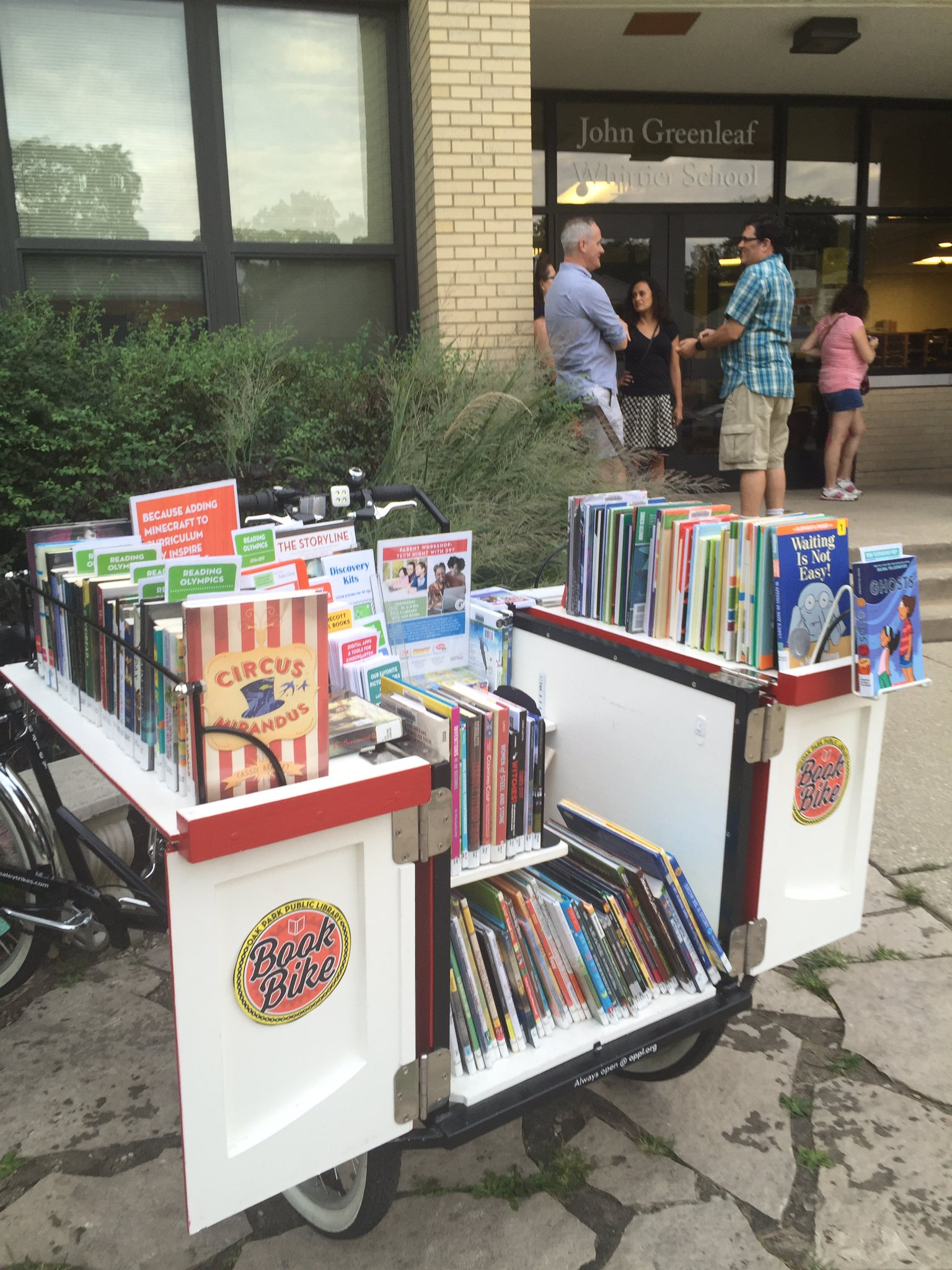 All about breaking down barriers + being where people are this week... like at curriculum night! #GetOTL #OPbookbike https://t.co/DFtI2o6aFZ