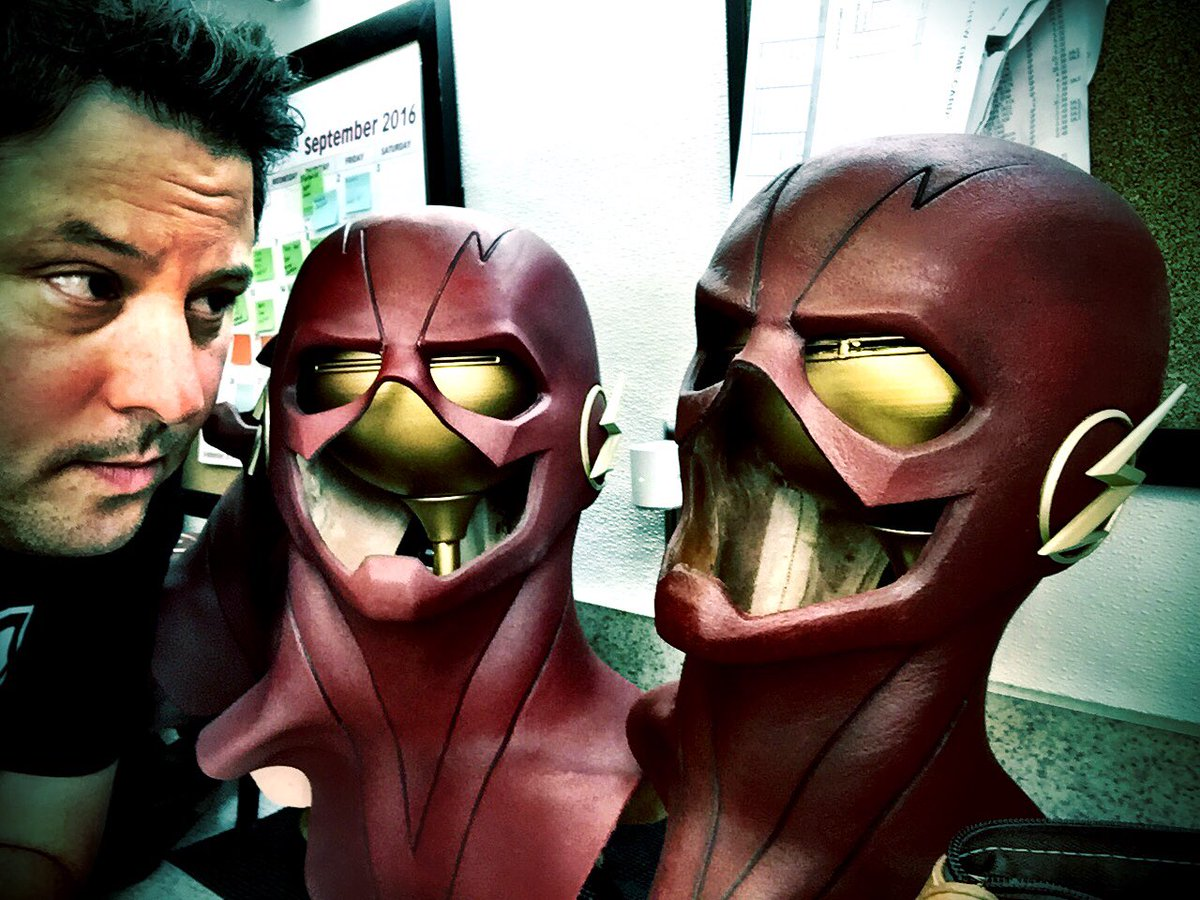 Look what I found on #TheFlash. Will the real @grantgust please stand up?  WATCH: #GeekingOut Sun Nights @AMC_TV https://t.co/yXPs5krloH