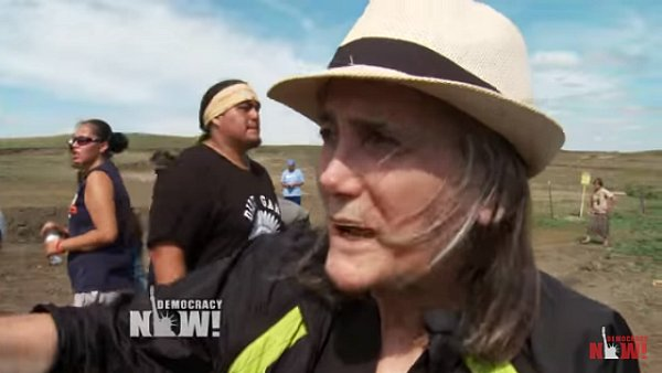 Colleagues Mostly Fail to Rally for Amy Goodman, Threatened With Jail for Journalism -  https://t.co/AfVs9u5Qfz https://t.co/HorcMM9oQ4