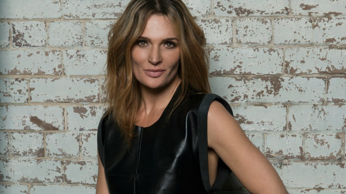 Danielle Cormack: A force to be reckoned with. #Deepwater #Wentworth https://t.co/kbwvlNS0M7 https://t.co/HNVMRtj6hR