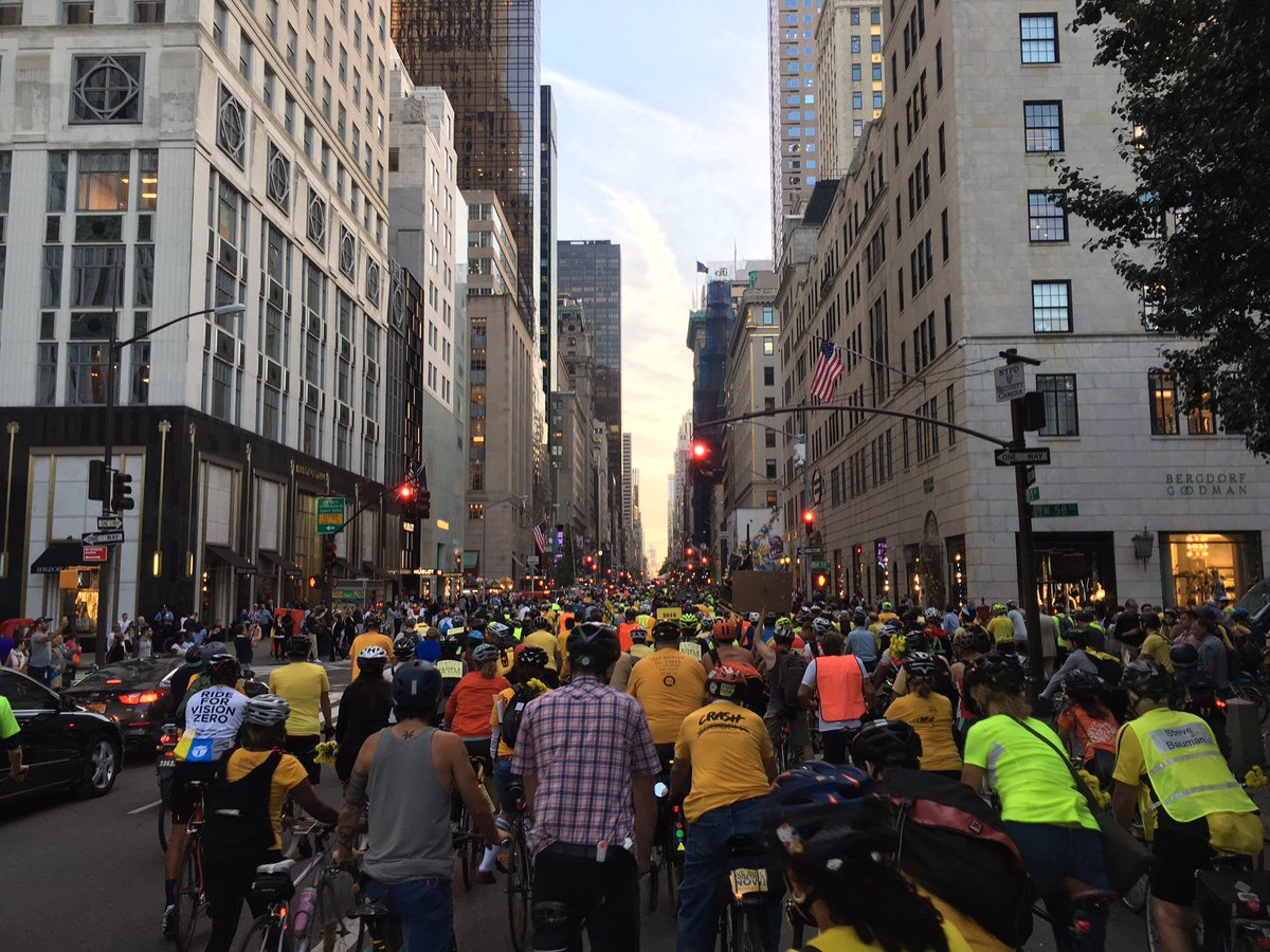 Big bike ride down 5th AV to protest city safety record & call attention to cyclist deaths #ridetogether @transalt https://t.co/LHqkwxqivC