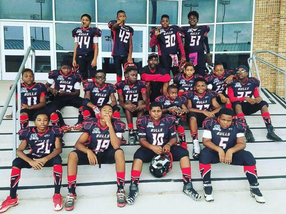 #BeaumontBulls Texas Youth Football Team To Still Kneel During Anthem Despite Death Threats https://t.co/GgYV5E1ykN https://t.co/oQrw0ucRIk