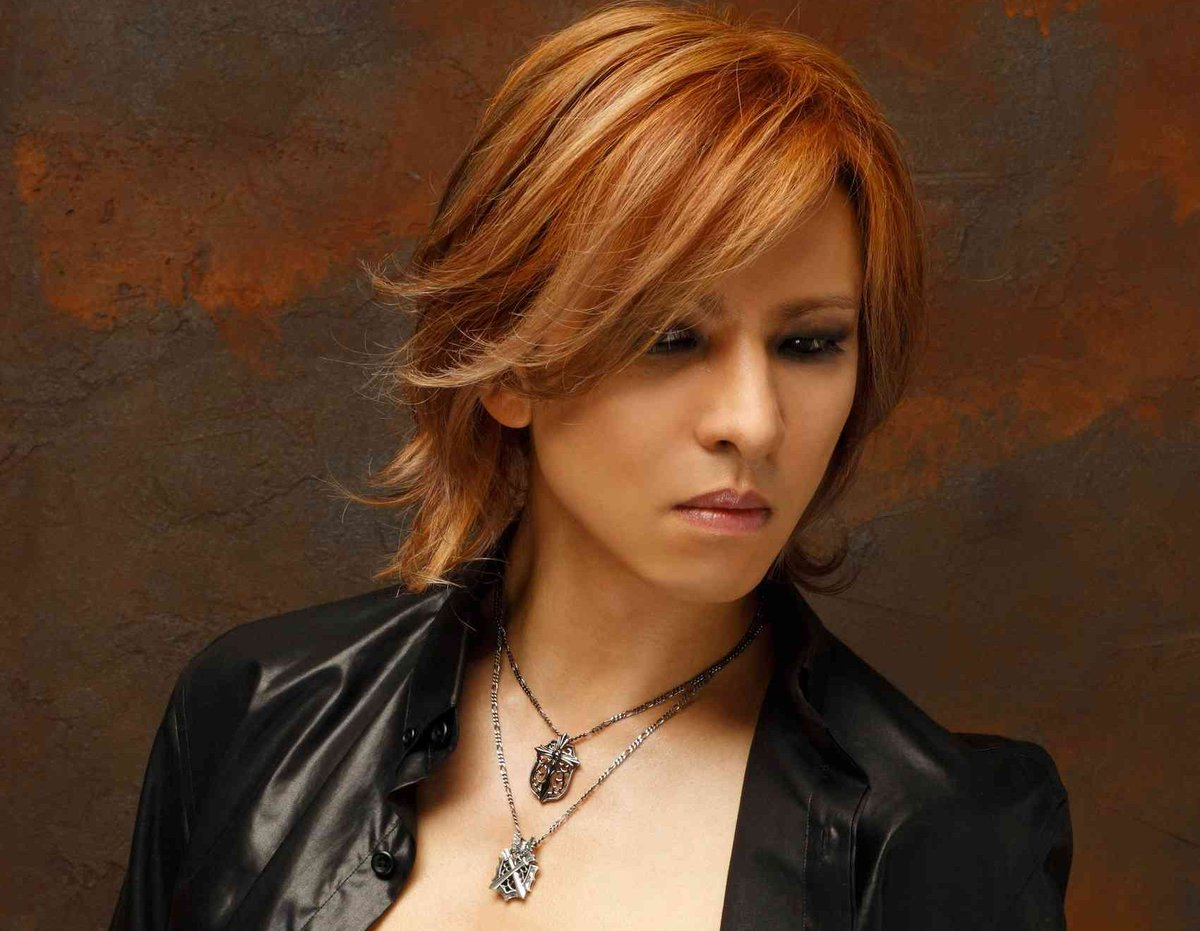 Japanese rockstar Yoshiki is coming to NYC on Monday! Wanna see him? #XJapan https://t.co/neIUte4rBA https://t.co/PHK9kJVbfr