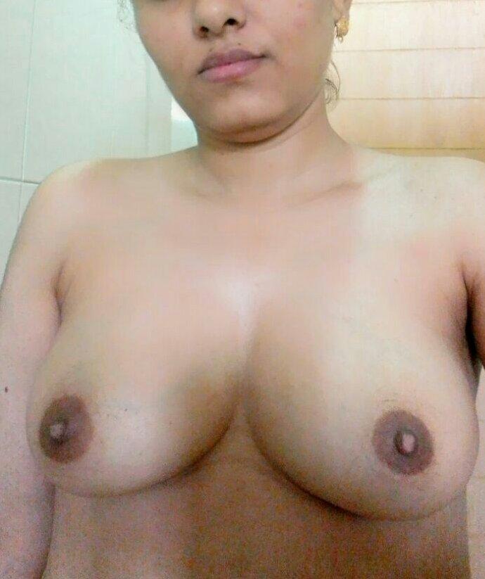 Nude Selfie 8470