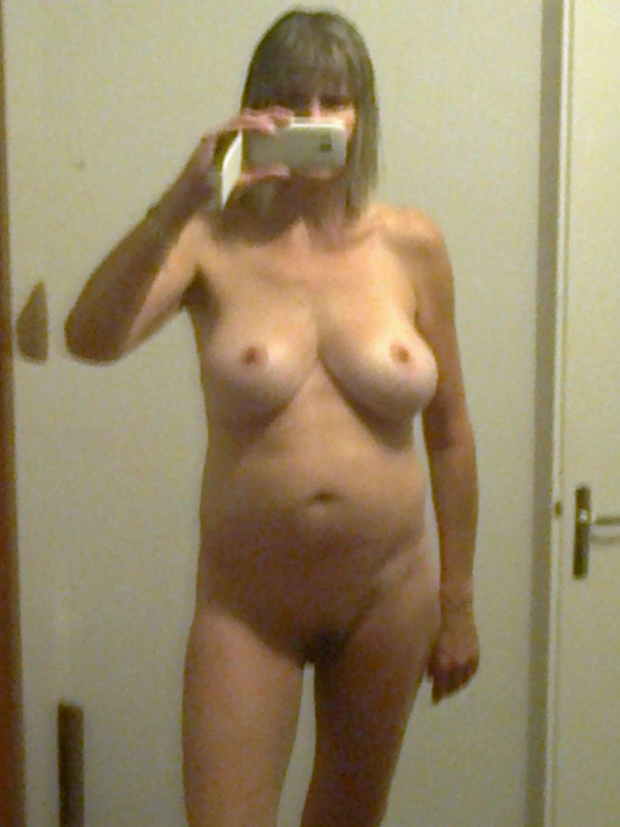 Nude Selfie 8500