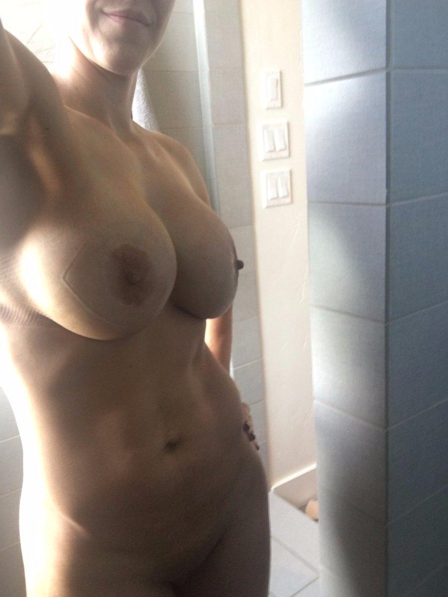 Nude Selfie 8543