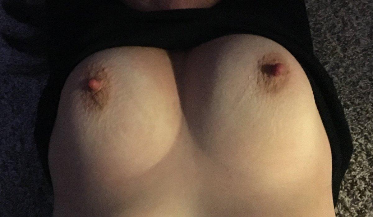 Nude Selfie 8550