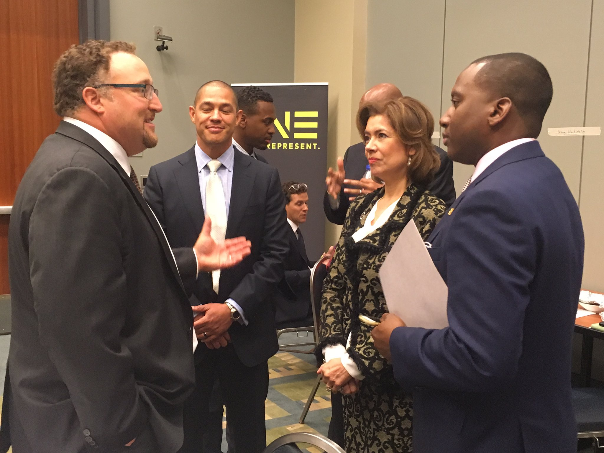 @MENTORnational CEO speaking to Administrator of Sm Business Admin @MCS4Biz #CBCFALC16 #mentorIRL @dshapMENTOR https://t.co/zYiakxSOyw
