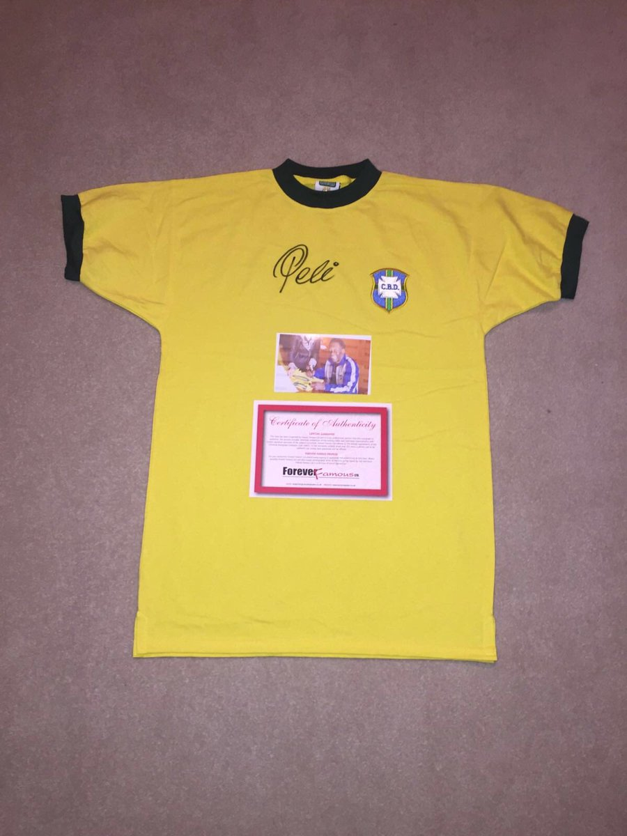 To win this Pele shirt click on the link https://t.co/FZt5MNns9a & RT the tweet we will pick the winner 1st October https://t.co/T3ZFAgQbw6