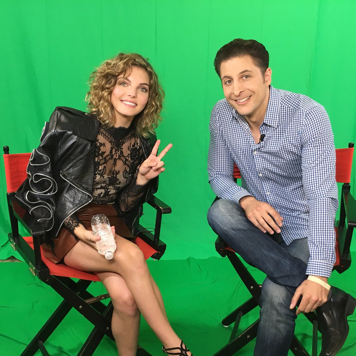 Just me and #CatWoman :)   Fun w/ @CamrenBicondova AKA #SelenaKyle on FOX's #Gotham talking about the new season. https://t.co/dtntCqwWpu