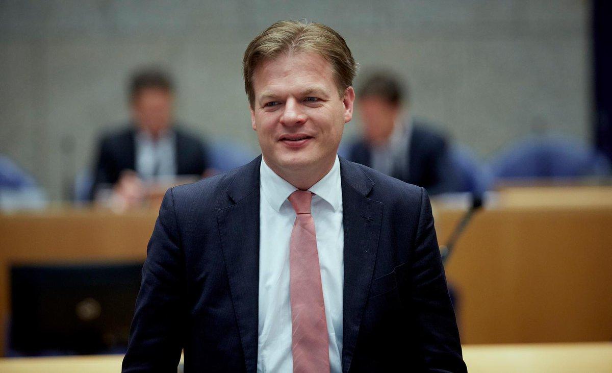 Prinsjesprijs gaat naar CDA-Kamerlid @PieterOmtzigt, een 'luis in de pels van het kabinet' https://t.co/HHOOZzpFTx https://t.co/itZPNMsvwK