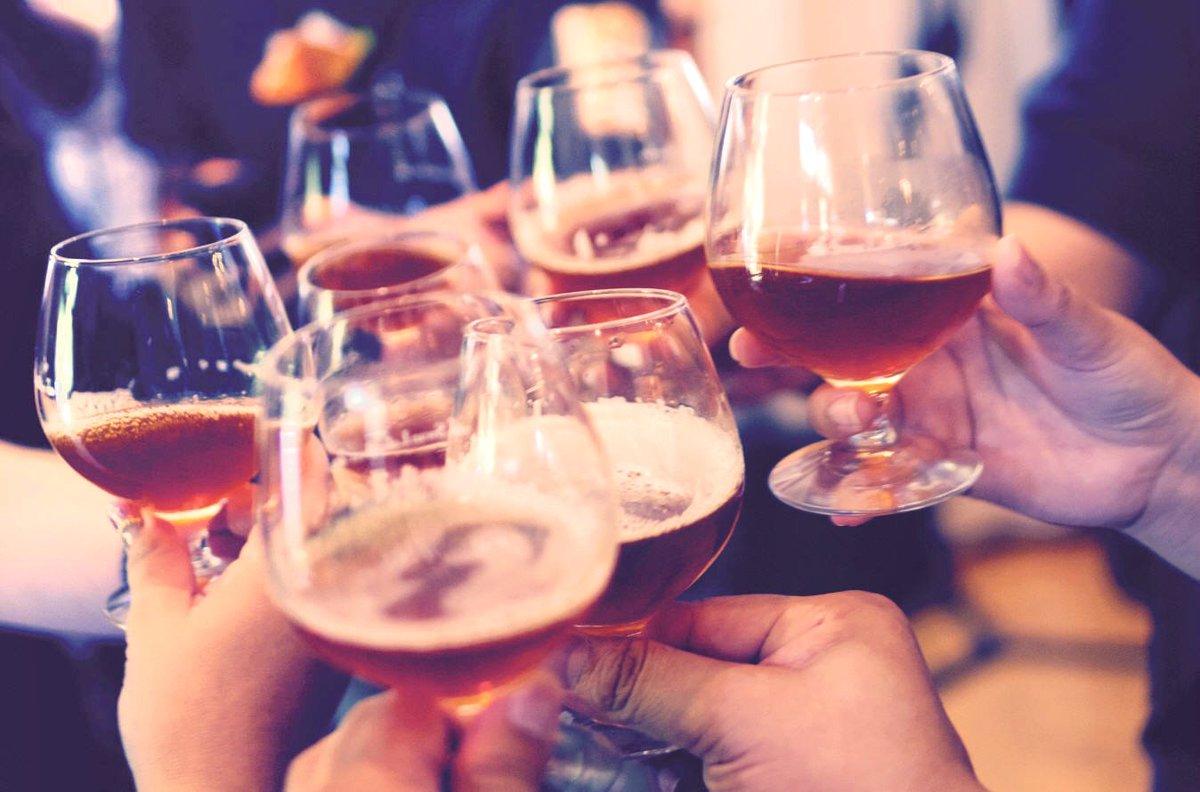 Bevono cognac adulterato, 23 morti in Ucraina.