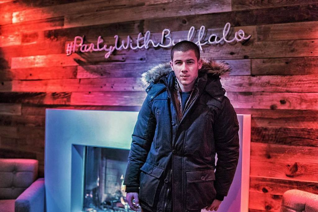 #FBF to chillin with this birthday boy @nickjonas at #Sundance. https://t.co/qHtDk9KNiM https://t.co/ue8AA4zDcG