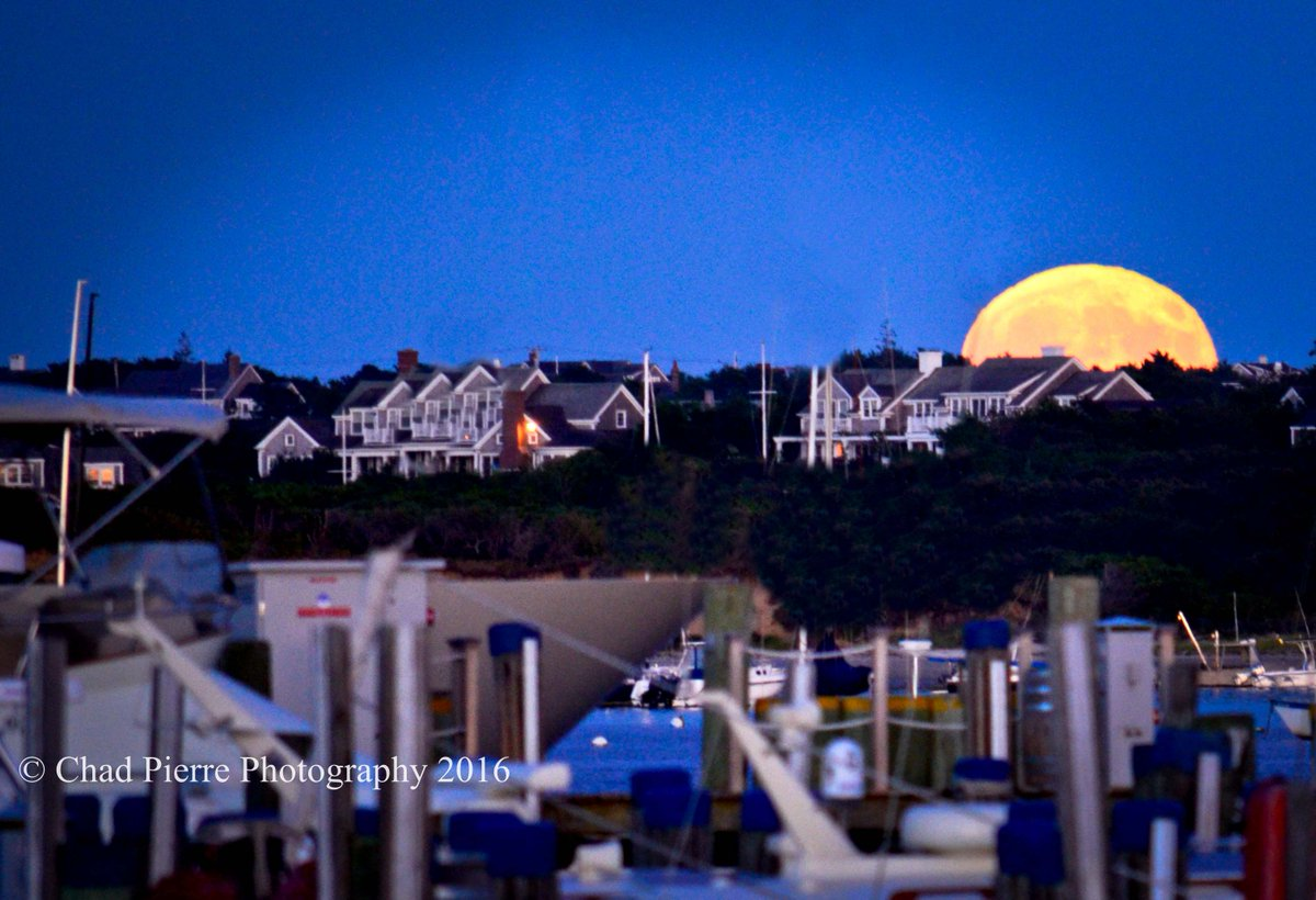 #MoonRise on #Nantucket #ACK -#ChadPierrePhotography  Beautiful moonrise on Nantucket Island Ma,  @Chad_Pierrepic.twitter.com/zCyfvHT7bu