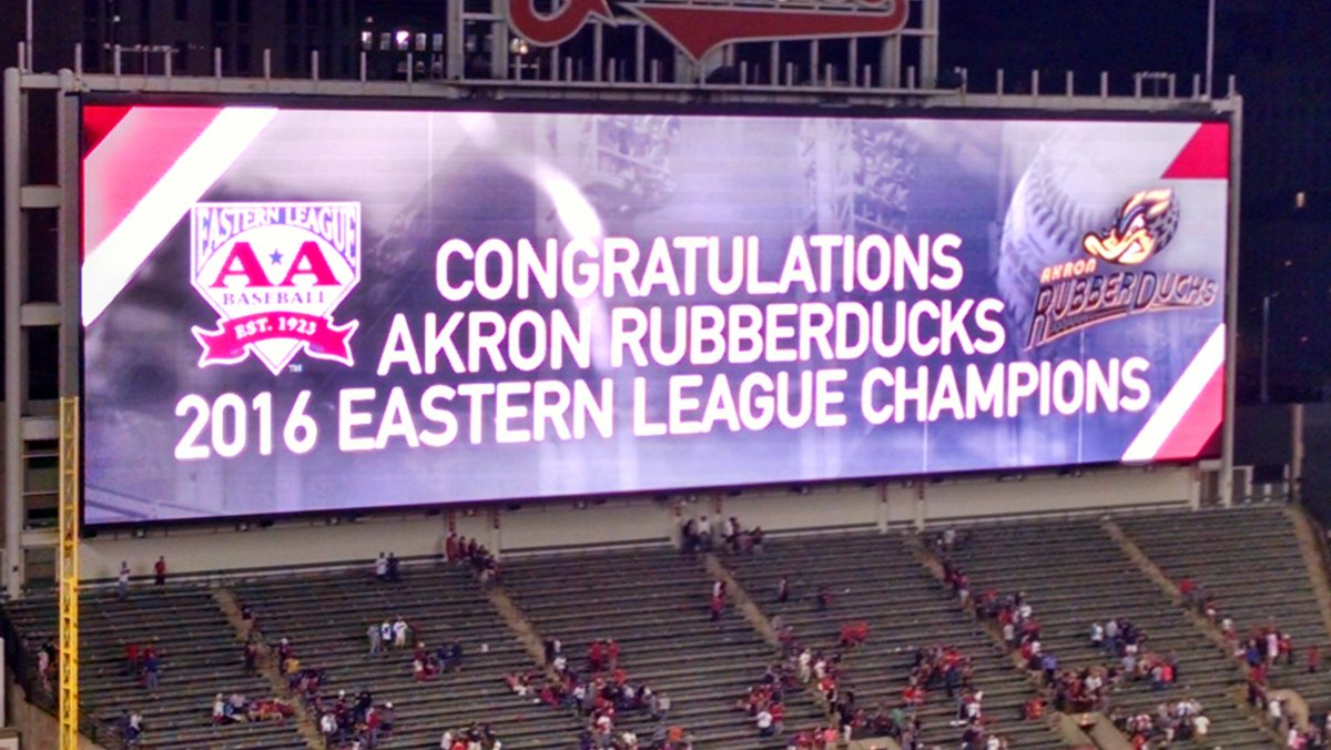 Classy move by the Tribe! #RubberDucks #Indians https://t.co/O3doQkq3Ke