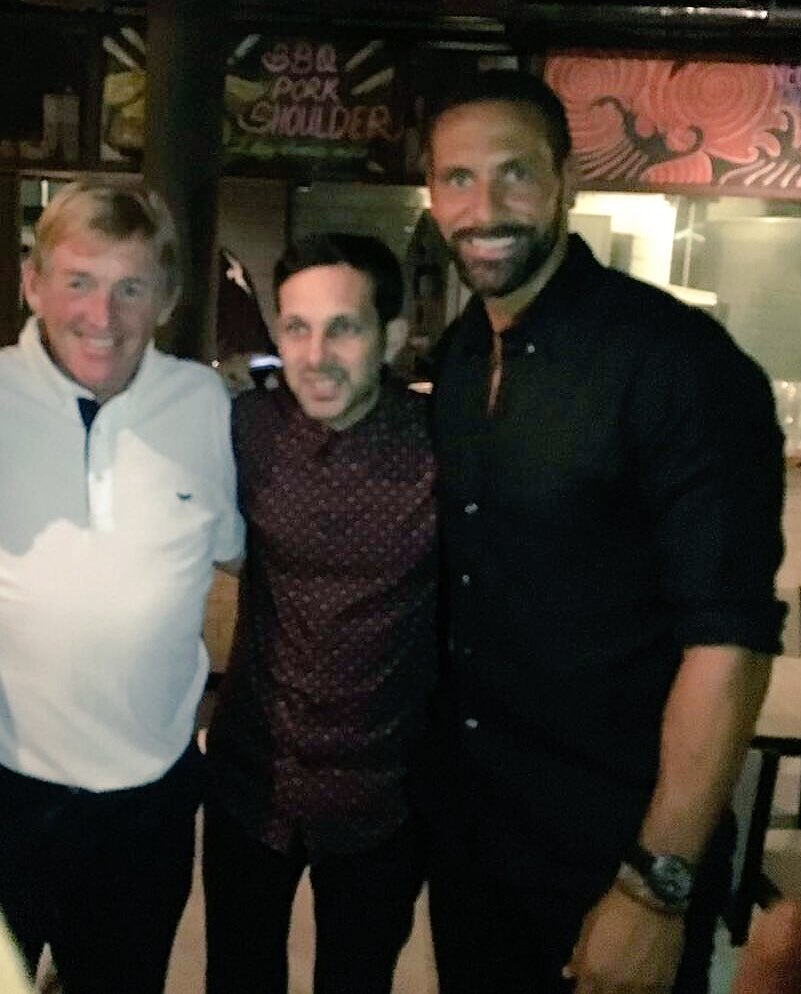 Me and the legend @kennethdalglish served up a bit of magic between us last night at dinner! @Dynamomagician 👀 https://t.co/e8h7exOOVE