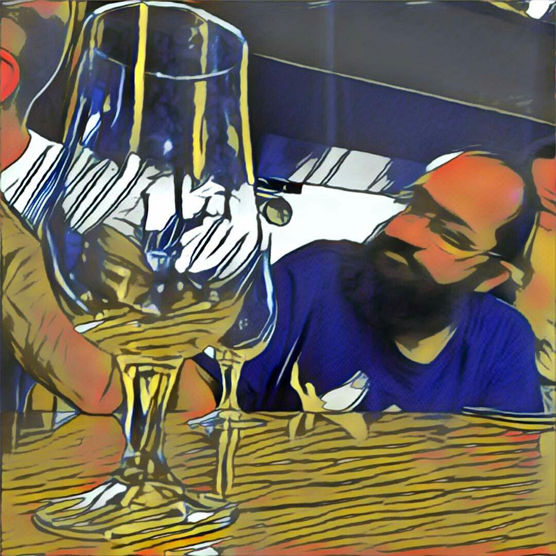 Mi copa vacía y @psicobyte_ atendiendo a la presentación de asistentes del #SoftwareFreedomDay   #Granada @OSLUGR https://t.co/ZLGGTMazxe