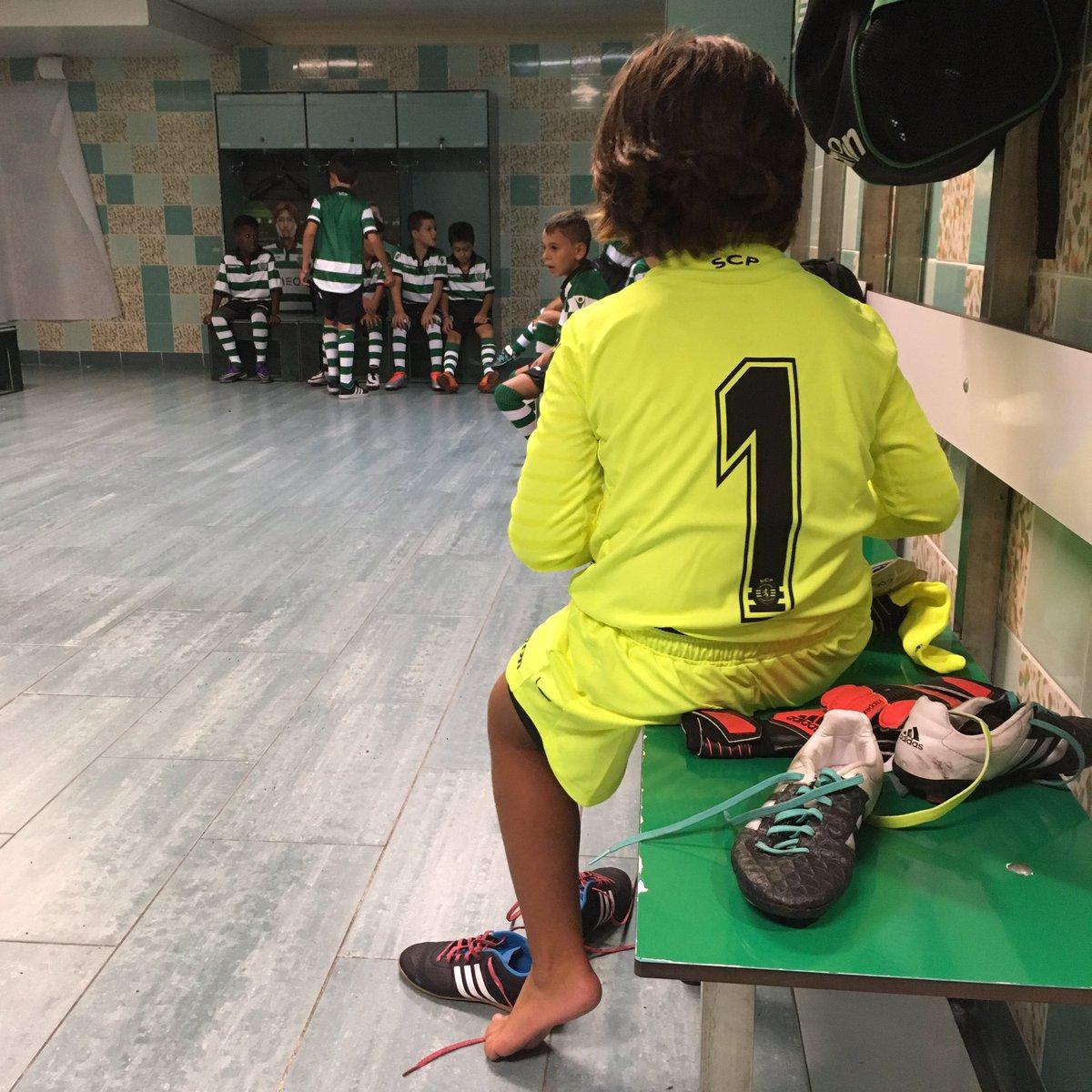 O futuro Rui Patrício (para já nos sub-8) #istoéoSporting #DiadeFormação https://t.co/deJR7bF2XP